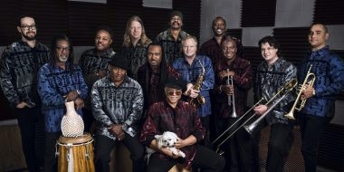 Al McKay's Earth Wind & Fire Experience: internationale hitmachine!