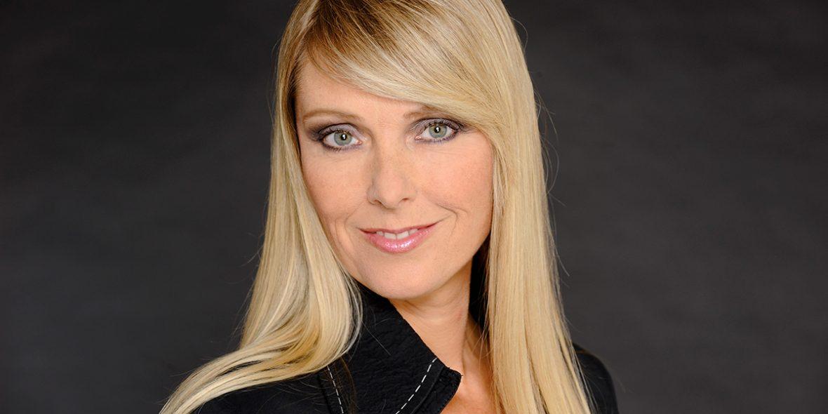 Joke de Kruijf: zangeres - actrice - danseres - presentatrice - coach